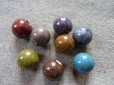 kerámia gyöngy kerek 18 mm szürkésbarna