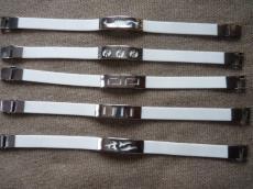 kaucsuk karkötő fehér jin-jang