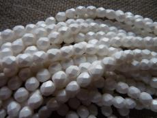 csiszolt gyöngy 6mm matt gyöngyház fehér 25 db