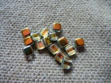 Dupla lyukú préselt négyzet crystal marea 20 db