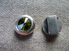 13 mm-es bőrhöz swarovski kerek köztes olivine